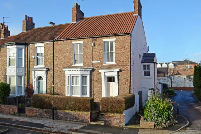 Thumbnail Property for sale in Monkgate, York