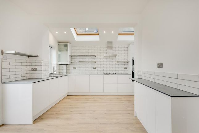 Thumbnail Terraced house to rent in Valetta Road, London
