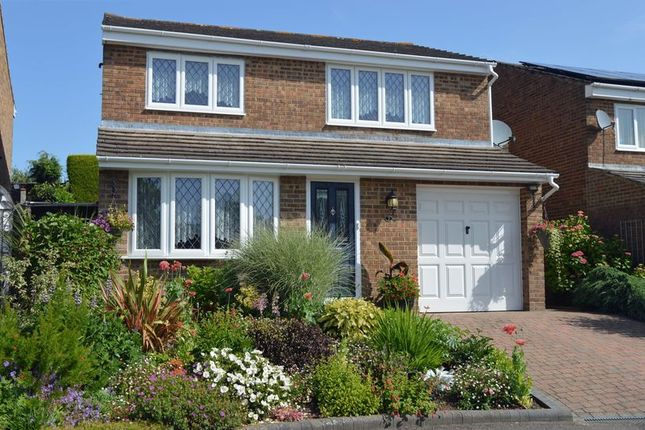 Thumbnail 4 bed detached house for sale in Underwood Close, Crawley Down, West Sussex