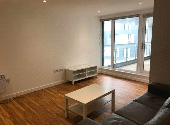Thumbnail Flat to rent in X1 The Exchange, 8 Elmira Way, Salford Quays