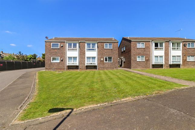 2 bed flat for sale in Summerfields Avenue, Hailsham BN27