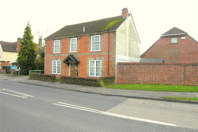 Thumbnail Flat to rent in Worting Road, Basingstoke, Hampshire