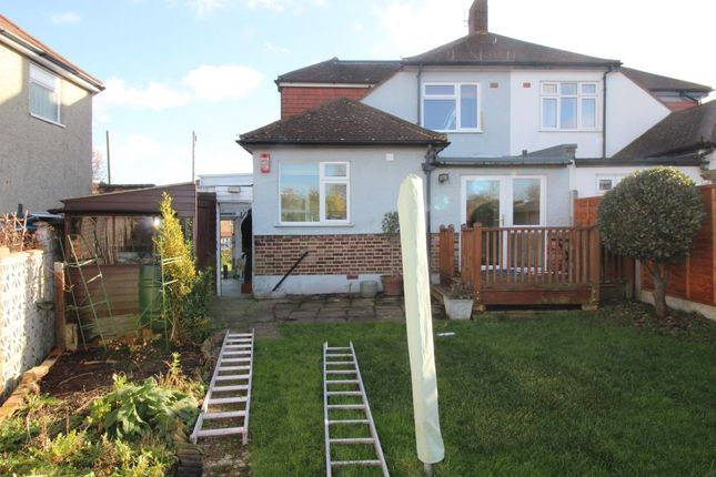 Thumbnail Bungalow to rent in Benhill Road, Sutton