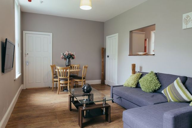1 bed flat for sale in Beech Avenue Shopping Centre Garden Village, Hull