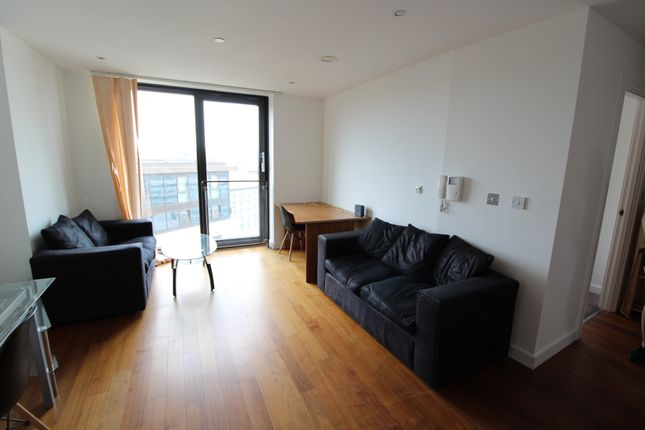 2 bed flat to rent in City Lofts, St Paul's Square, Sheffield