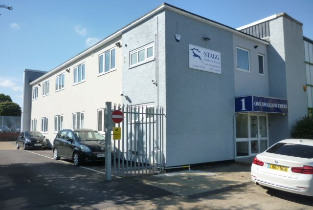 Thumbnail Office to let in Swallowfields, Welwyn Garden City