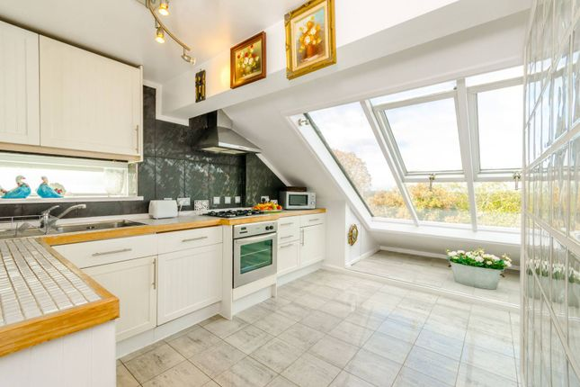 Thumbnail Flat for sale in The Park, Highgate