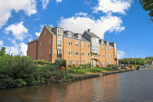 Thumbnail Flat for sale in Joules Court, Stone