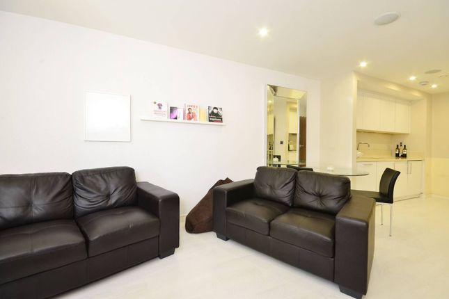 Thumbnail Flat to rent in Putney Hill, Putney, London