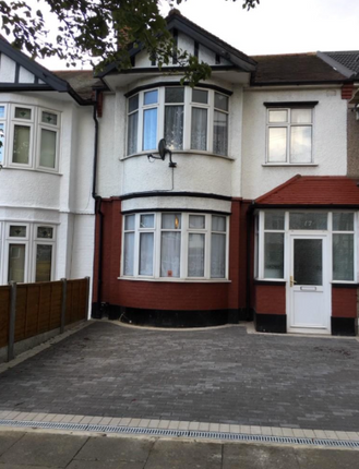 Thumbnail Terraced house to rent in Ridgeway Gardens, Ilford Essex