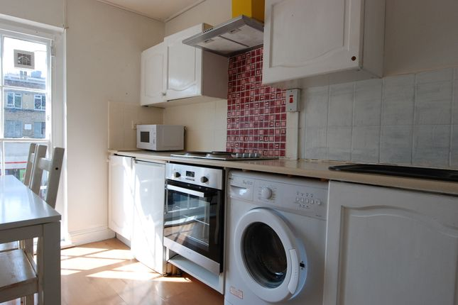 Flat to rent in Caledonian Road, London