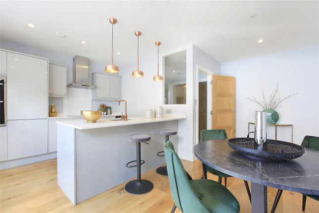 3 bed detached house for sale in Battersea Bridge Road, Battersea, London SW11