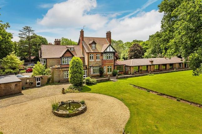 Thumbnail Country house for sale in Copthorne Bank, Copthorne, Crawley
