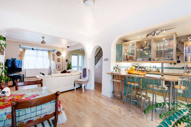 Thumbnail Property to rent in Lower Addiscombe Road, Croydon