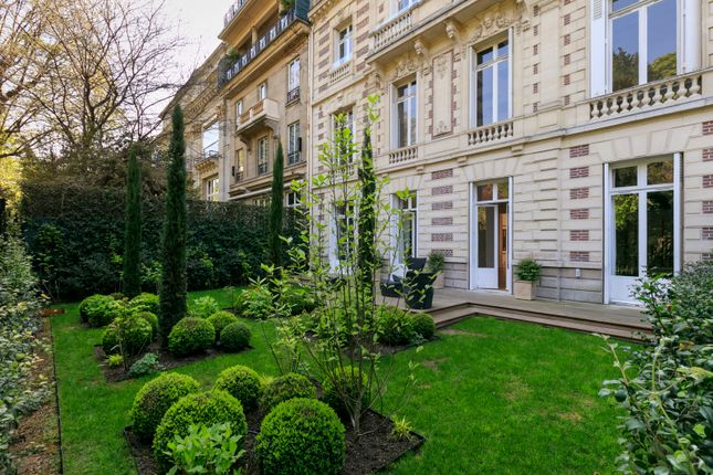 Thumbnail Property for sale in Paris Arrondissement, Paris, France