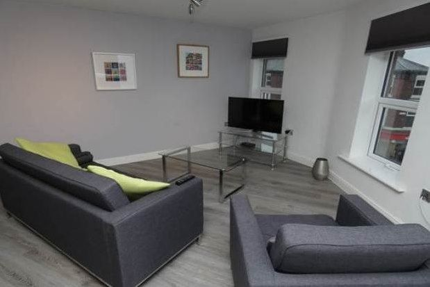 Flat to rent in Wilbraham Road, Manchester