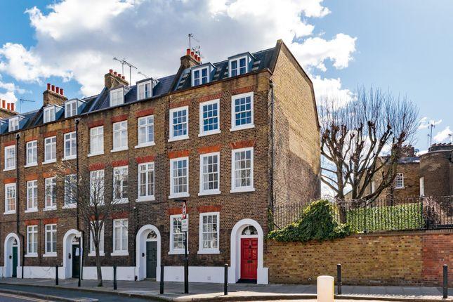 Maisonette for sale in Skinner Street, London