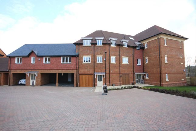 Thumbnail Flat to rent in Charlock Place, Warfield, Bracknell