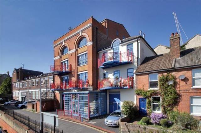 Thumbnail Flat to rent in Rock Villa Road, Tunbridge Wells