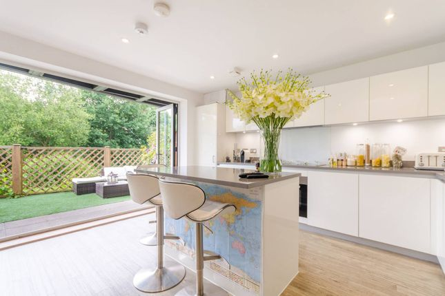 Thumbnail Semi-detached house to rent in Sycamore Avenue, Woking
