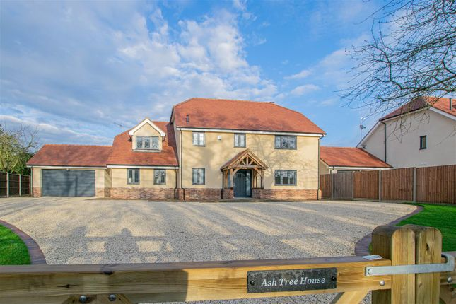 Thumbnail Detached house for sale in Hoe Lane, Nazeing, Waltham Abbey