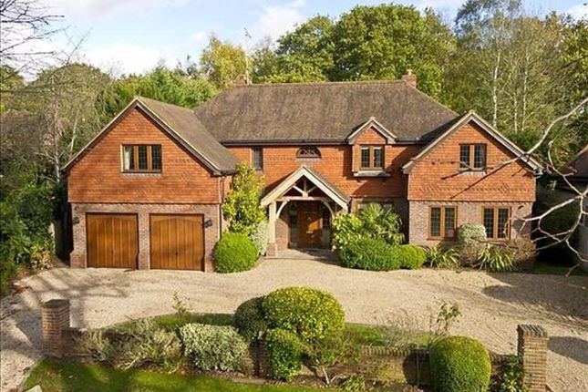 Thumbnail Detached house to rent in Leigh Place, Cobham