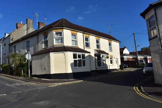 Thumbnail Flat to rent in Eastland Road, Yeovil
