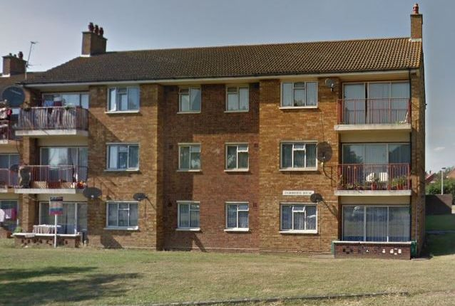 Thumbnail Flat to rent in Fairbourne House, Bourne Avenue, Hayes, Middlesex