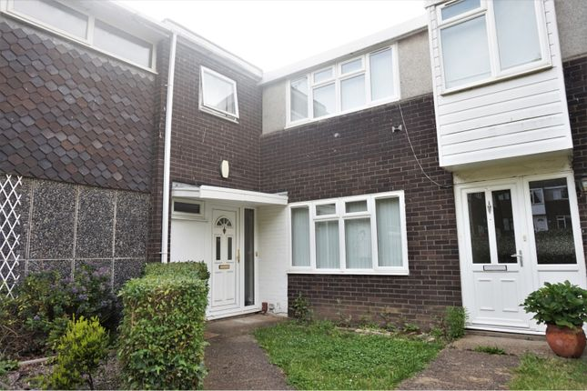 Thumbnail Terraced house for sale in Trindehay, Basildon