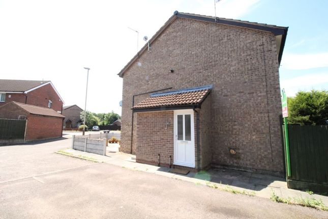Thumbnail Property for sale in Manor Drive, Leicester