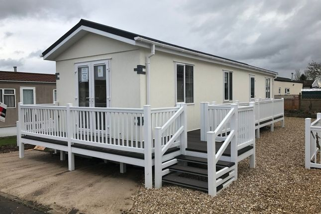 Thumbnail Mobile/park home for sale in Centre Drive, Banwell