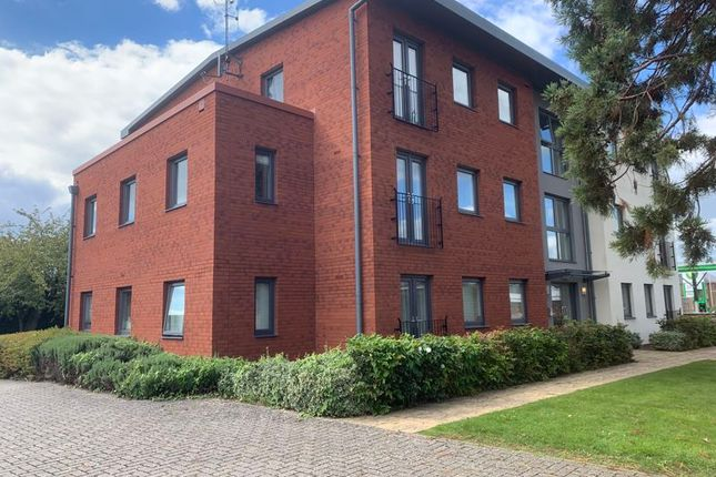 Thumbnail Flat for sale in 9 Wellingtonia Gardens, Barnwood, Gloucester