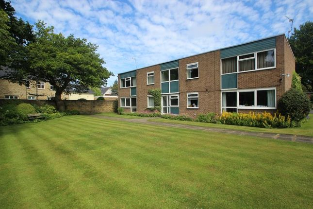 Thumbnail Flat to rent in Green View Court, Roundhay, Leeds