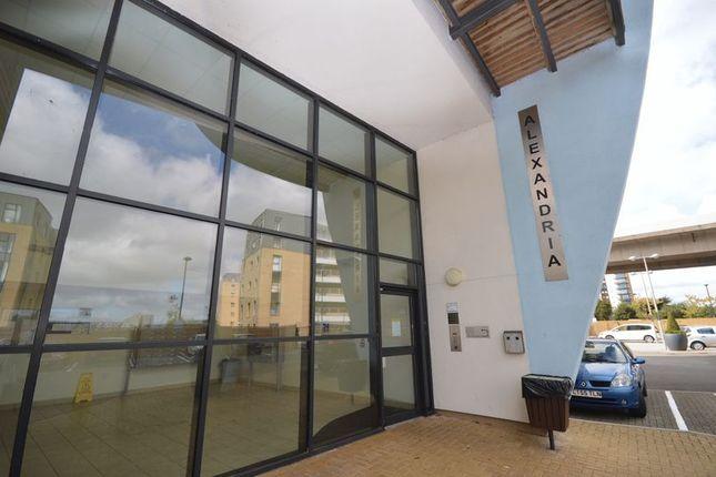 Thumbnail Flat to rent in Alexandria House, Victoria Wharf, Cardiff