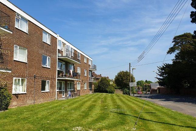 Thumbnail Flat to rent in Ashley Court, Kenilworth Close, New Milton