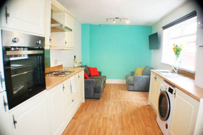 Thumbnail Room to rent in Shakespeare Crescent, Eccles