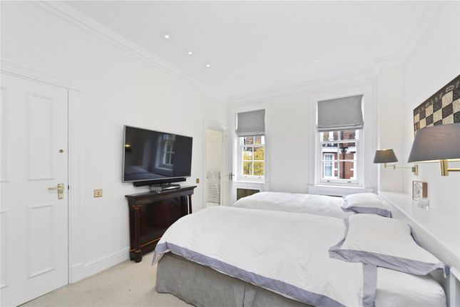 Picture No. 15 of Sloane Court East, London SW3