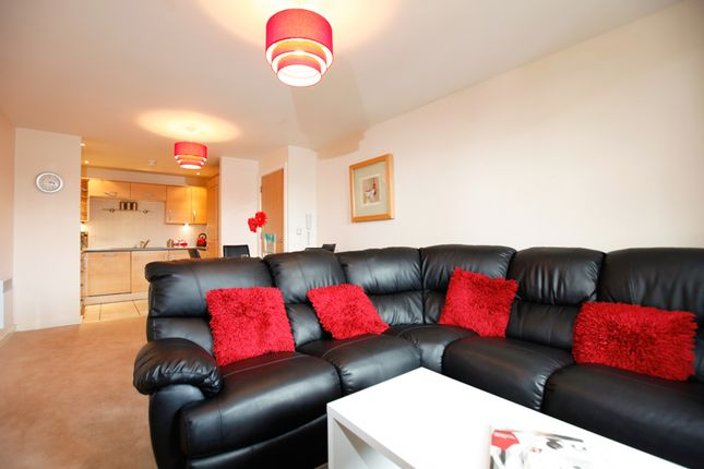 Thumbnail Flat to rent in Serviced Apartment 'short Term Let', Lowest Price Guarantee