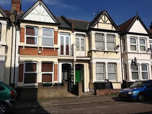 Thumbnail Property to rent in St. Margarets Avenue, London