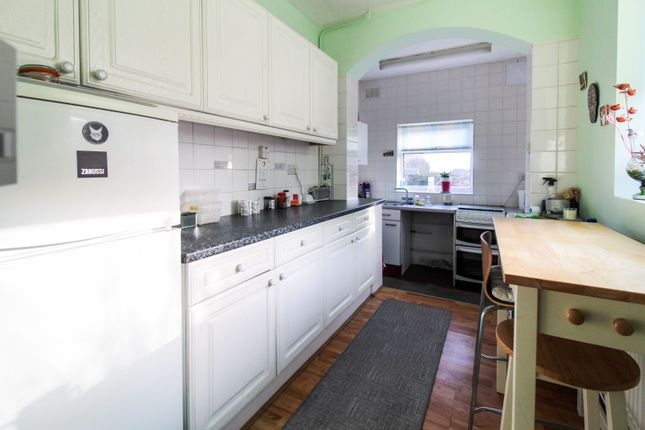 Kitchen of North Barcombe Road, Liverpool L16