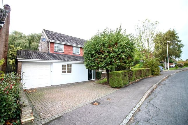 Thumbnail Detached house to rent in Lakeside, Bracknell