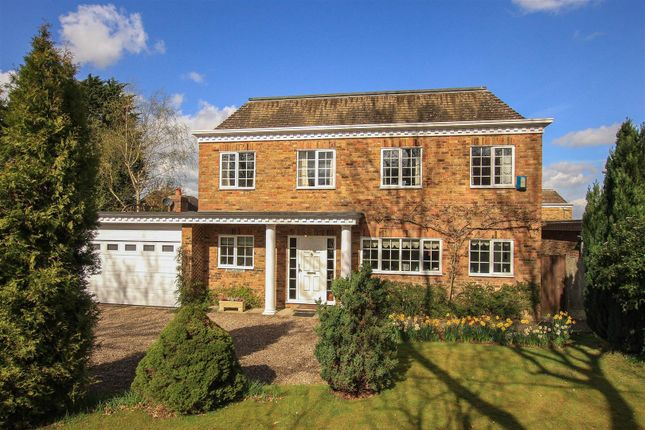 Thumbnail Detached house for sale in Wayfarers Park, Shootersway Lane, Berkhamsted