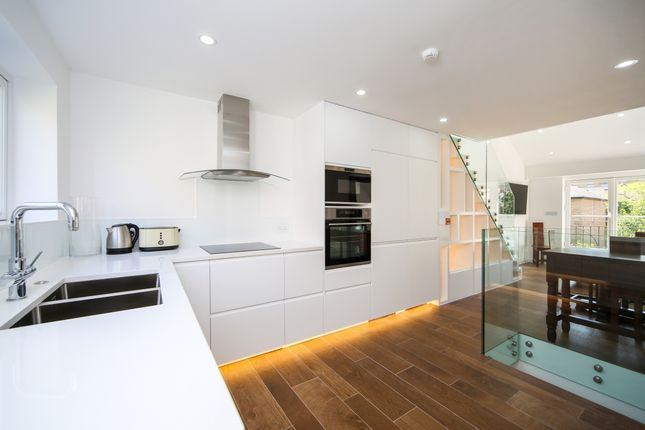 Thumbnail Terraced house to rent in Lafone Street, London