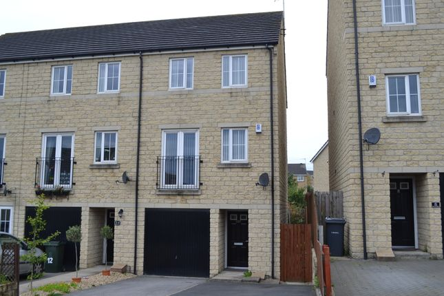 Thumbnail Town house for sale in Kellett Drive, Thornton, Bradford