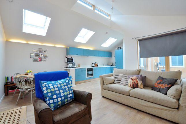 Thumbnail Bungalow to rent in Sheen Lane, Mortake