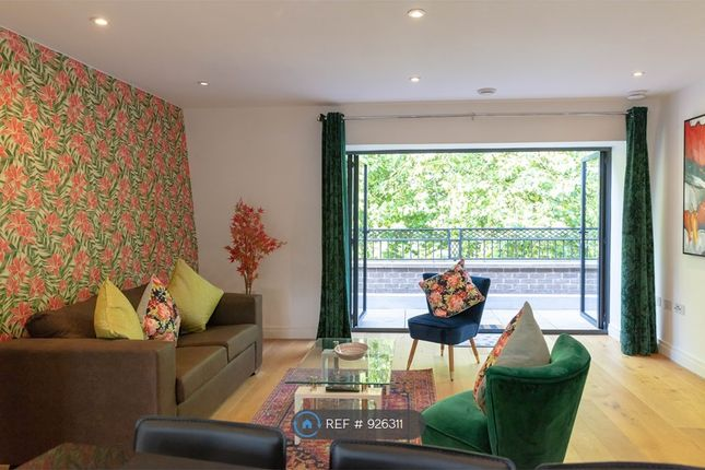 Thumbnail Flat to rent in Regents Terrace, Cambridge
