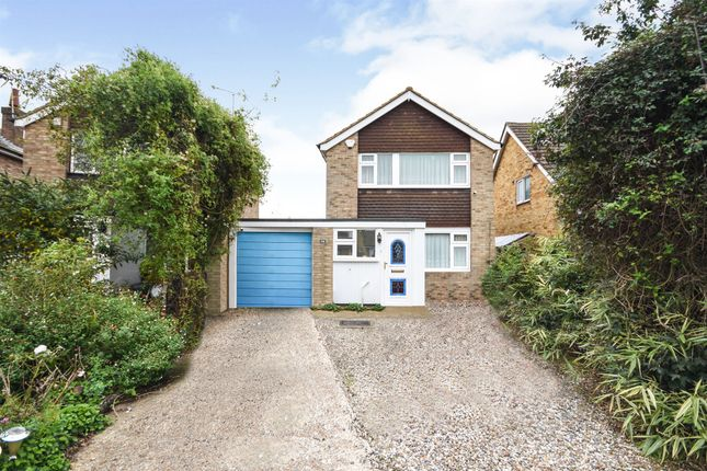 Thumbnail Link-detached house for sale in Woollard Way, Blackmore, Ingatestone