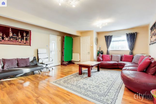 Living Room of Manor Road, Chadwell Heath, Romford RM6
