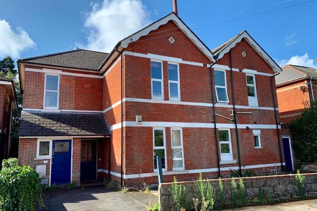 Thumbnail Flat to rent in Rushton Crescent, Bournemouth