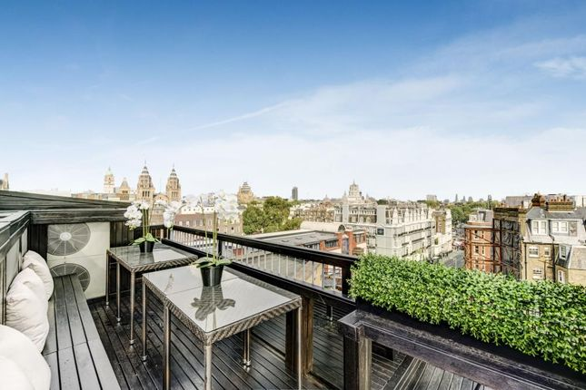 Thumbnail Flat for sale in Petersham House, Harrington Road, London